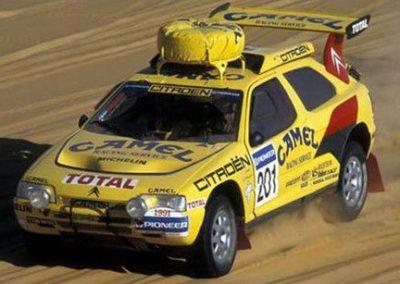 17 de Enero de 1991 Vatanen y el Citroën ZX Rallye Raid ganan el Paris Dakar El ZX Rallye Raid, pilotado por Ari Vatanen, gana el 13º París-Trípoli-Dakar (9186 km)