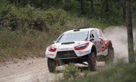 Acciona Dakar presentó nuevo coche y nueva piloto