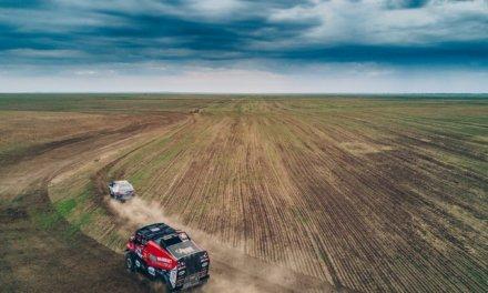 Loeb y Kolomy se fortalecen en Kazajstán
