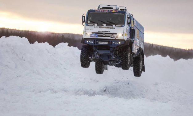Kamaz en la nieve