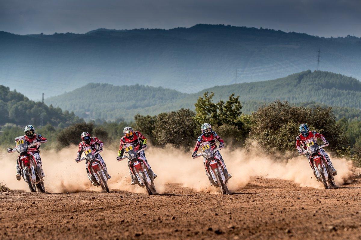 Honda muestras sus primeras cartas para el Dakar 2018 - Foto Monster energy
