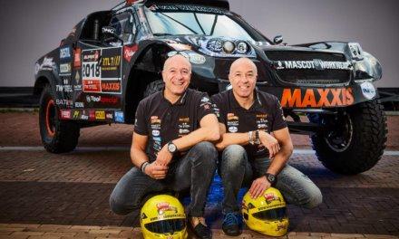 Tim y Tom Coronel presentaron su espectacular coche para el Dakar 2018