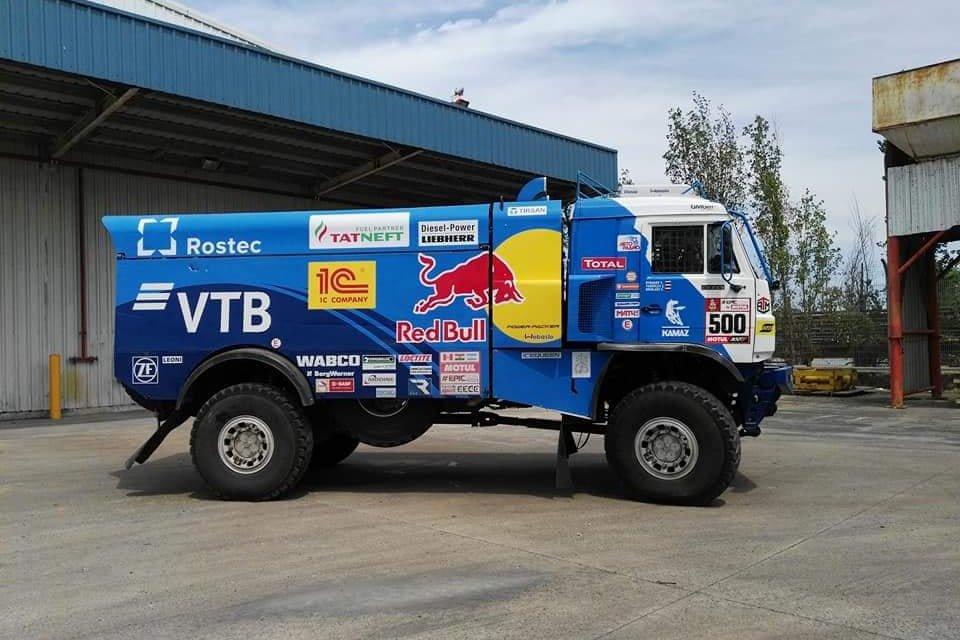 Fotos inéditas de los vehículos del Dakar 2018 en el puerto de Campana