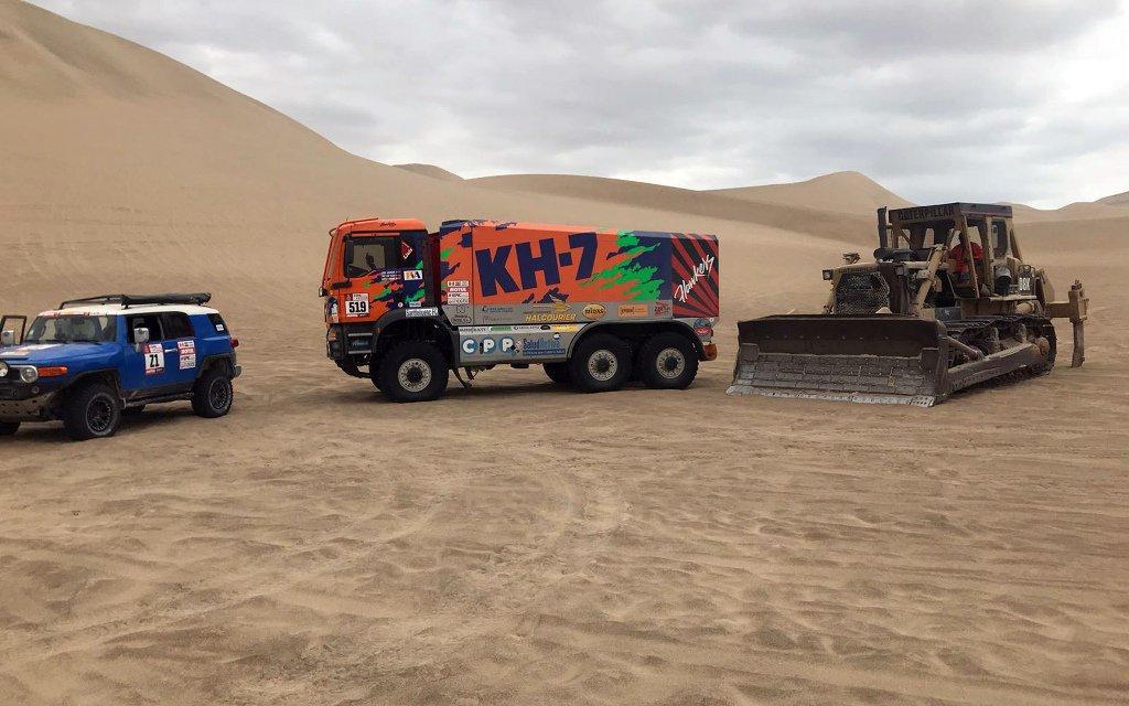 Así salió de la arena el camión español después de quedar tres días atrapados en el desierto