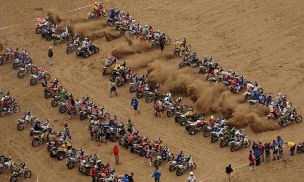 Así fue la tremenda salida en línea de motos y quads en la etapa 4 del Dakar 2018