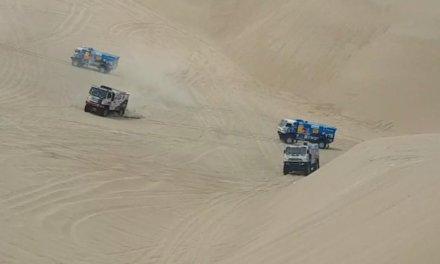 Video: Camiones perdidos en el desierto