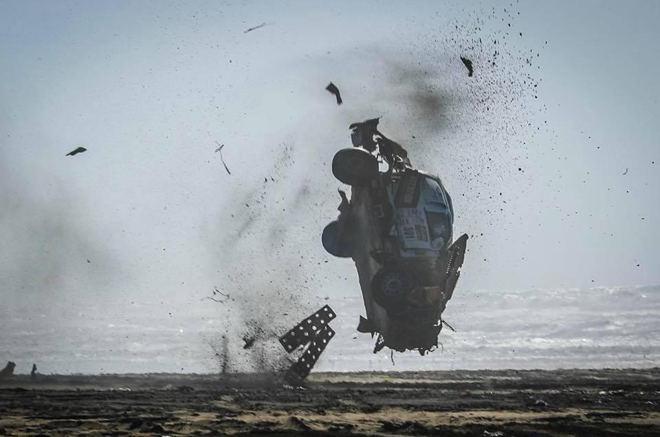 Espectacular accidente en Morocco Desert Challenge Tomas Ourednicek
