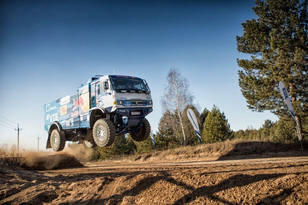 Kamaz presenta cuatro camiones nuevos para el Dakar 2019