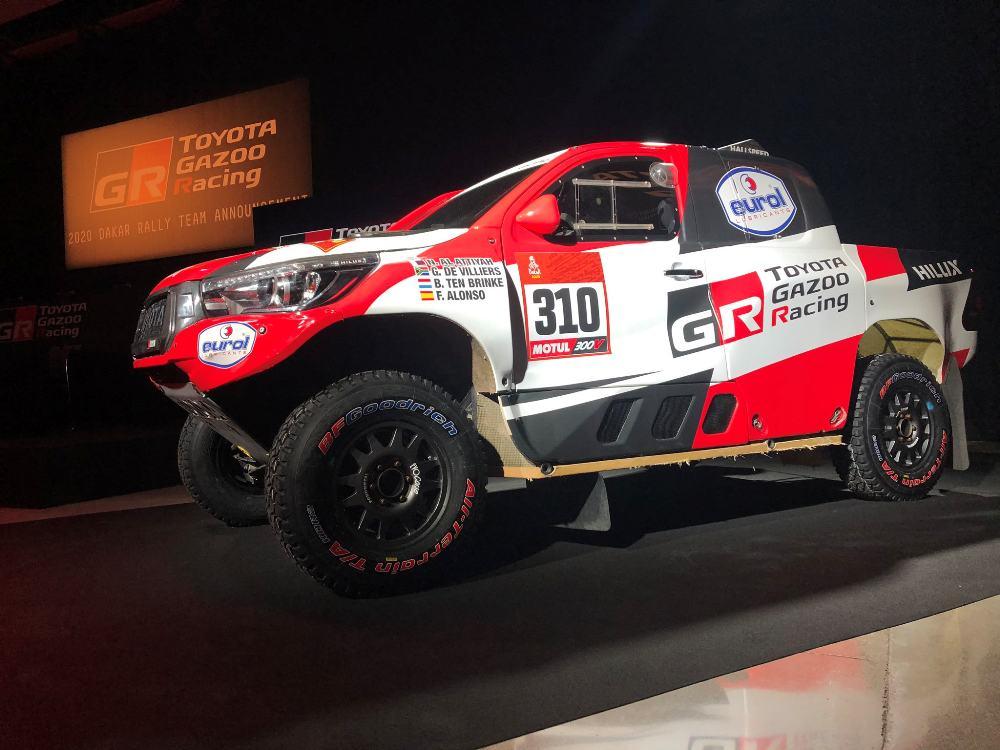 Oficial Toyota Presento A Fernando Alonso Para El Dakar