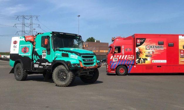 El Firemen Dakarteam incorporó un Iveco Powerstar del Team De Rooy a su flota