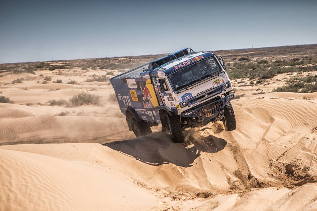 Kamaz se impuso con contundencia en el Rally Gold of Kagan 2020