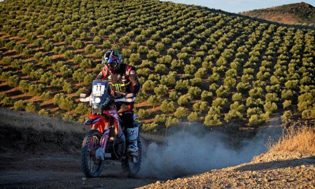 Joan Barreda domina la tercera etapa, con Kevin Benavides liderando en Andalucía
