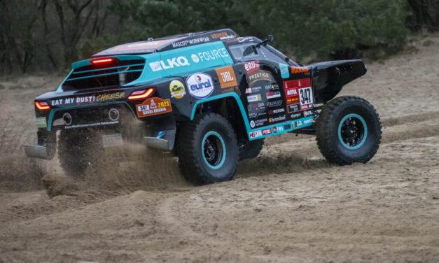 Tim y Tom Coronel presentaron el nuevo modelo de la Beast 347 para el Dakar 2021