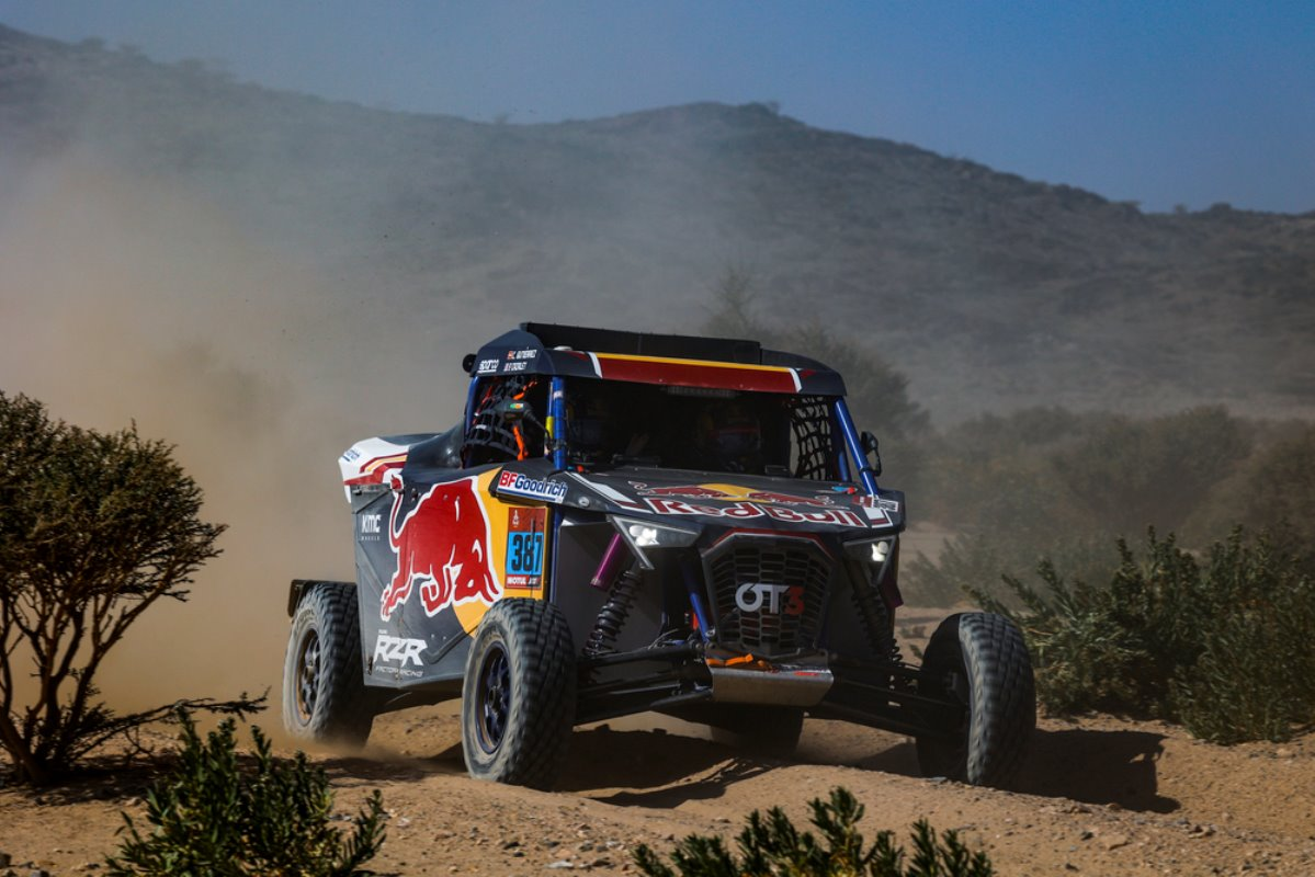 Cristina Gutiérrez logra una histórica victoria en la Etapa 1 – Reporte Vehículos Ligeros – Dakar 2021