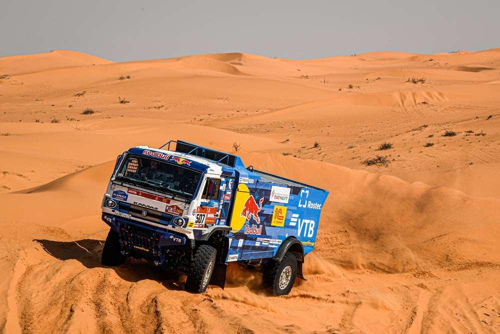 Kamaz domina completamente la etapa 6, con Mardeev delante – Reporte Camiones – Dakar 2021