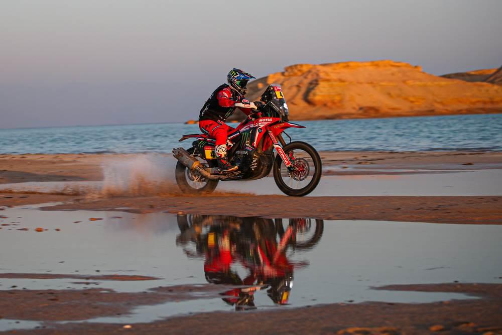 Kevin Benavides y Honda dominan una compleja etapa 9 – Dakar 2021
