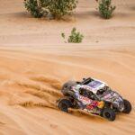 Chaleco López volvió a tocar el cielo con las manos al ganar el Dakar 2021 en UTV