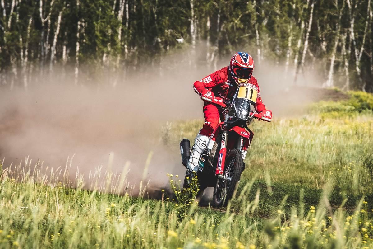 Daniel Sanders acelera en el Silk Way Rally 2021