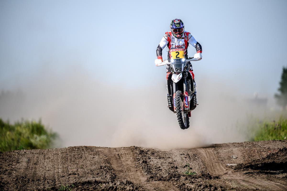 Franco Caimi y los locales dominan el primer día en el Silk Way Rally 2021